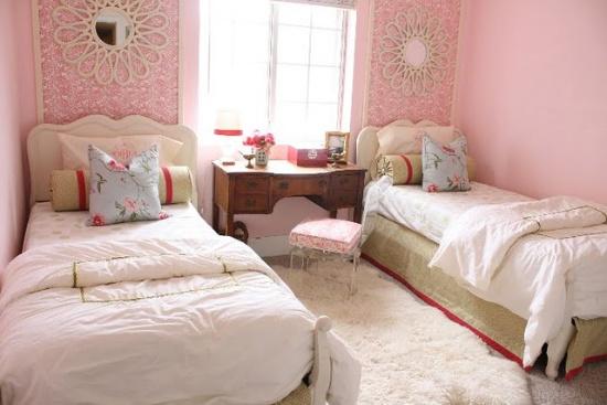 Дизайн детских спален для двух девочек